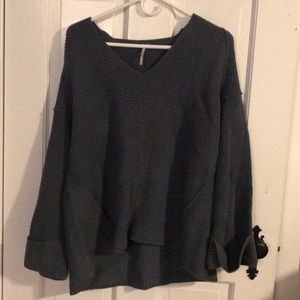 Vneck ribbed sweater